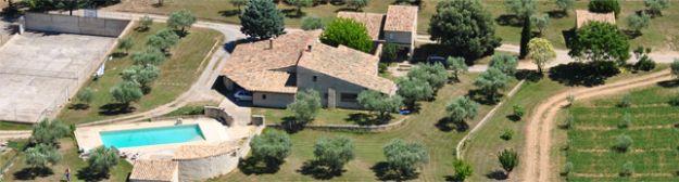 Vue aérienne du Mas de Trotte-Vache - Plateau de Valensole - Provence